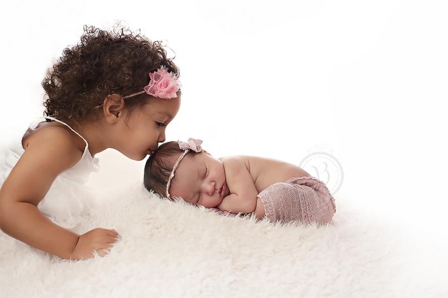 Darling sister photos oro valley newborn photographer